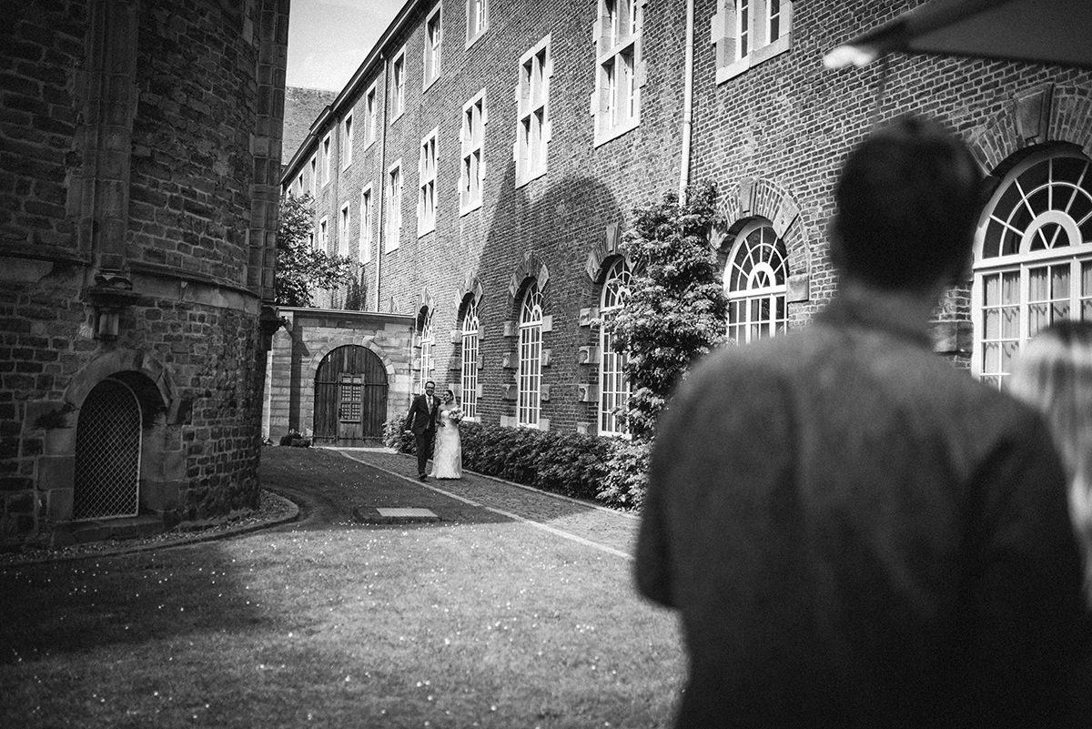 Hochzeitsfotograf-Aachen-Herzogenrath-Abtei-Rolduc-Dreamcatcher-Photography-de-JAsmin-und-Carsten- (26)