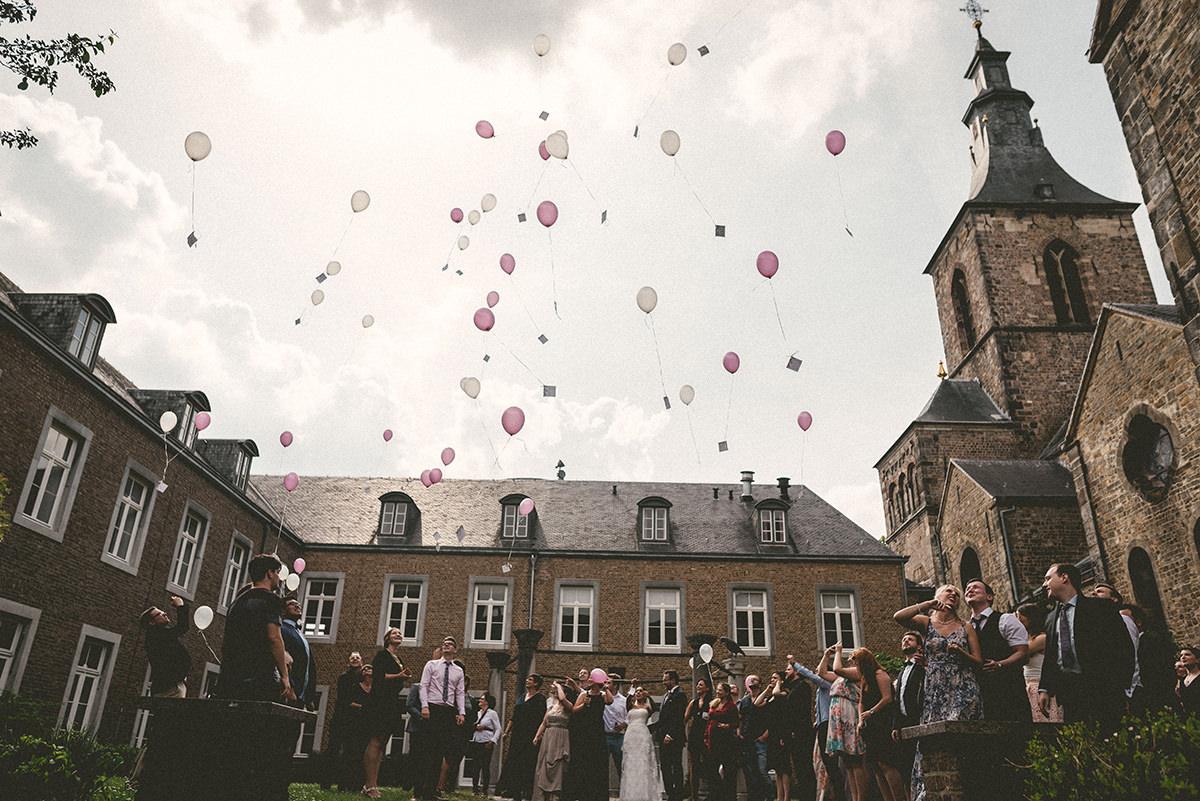 Hochzeitsfotograf-Aachen-Herzogenrath-Abtei-Rolduc-Dreamcatcher-Photography-de-JAsmin-und-Carsten- (29)